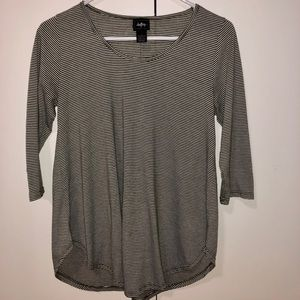 Day trip polyester stripe top- Small- 3/4 sleeves